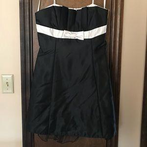‼️LIKE NEW‼️Adorable Little Black Satin Dress